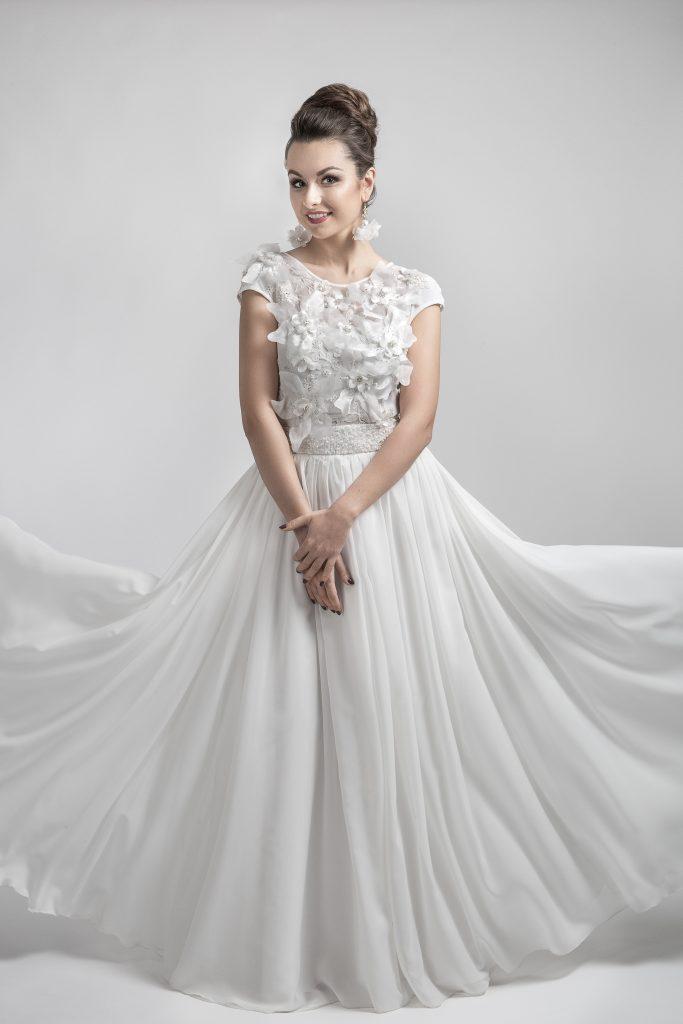 Vestuviniu sukneliu nuoma Siauliuosewww.madosnamaimagija.lt