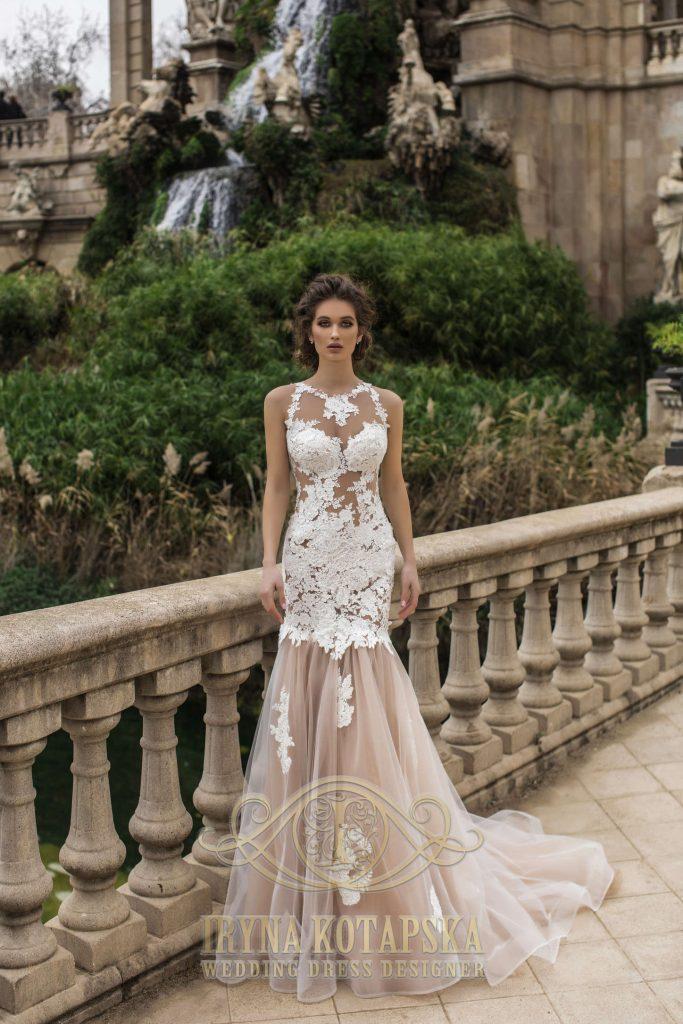 Išraiškinga vestuvinė suknelė